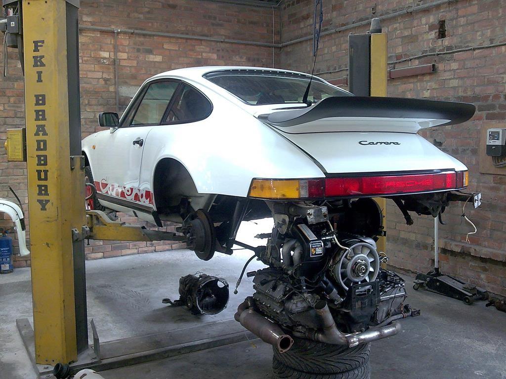 1989 Porsche Carrera - Waiting for clutch 2009